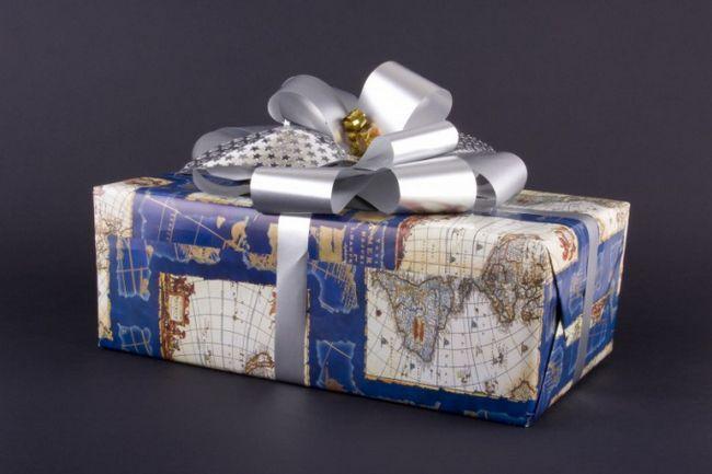 Что подарить начальнику на день рождения
