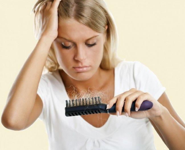 К какому врачу обращаться, если выпадают волосы
