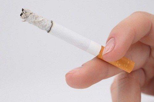 Как избавиться от запаха сигарет в комнате