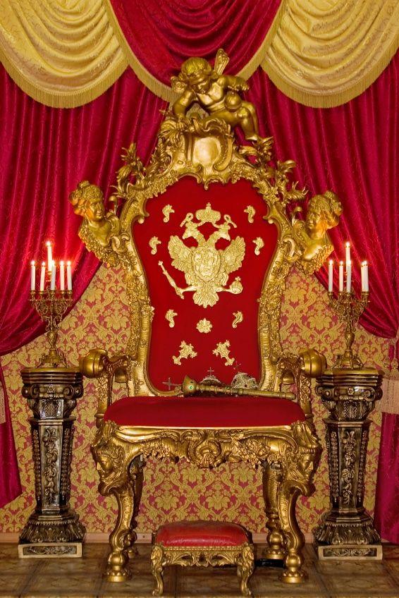 Воплощение царского величия - роскошный трон