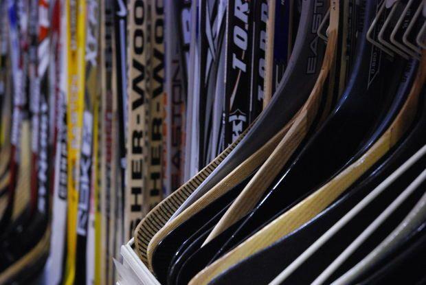 Как подобрать хоккейную клюшку