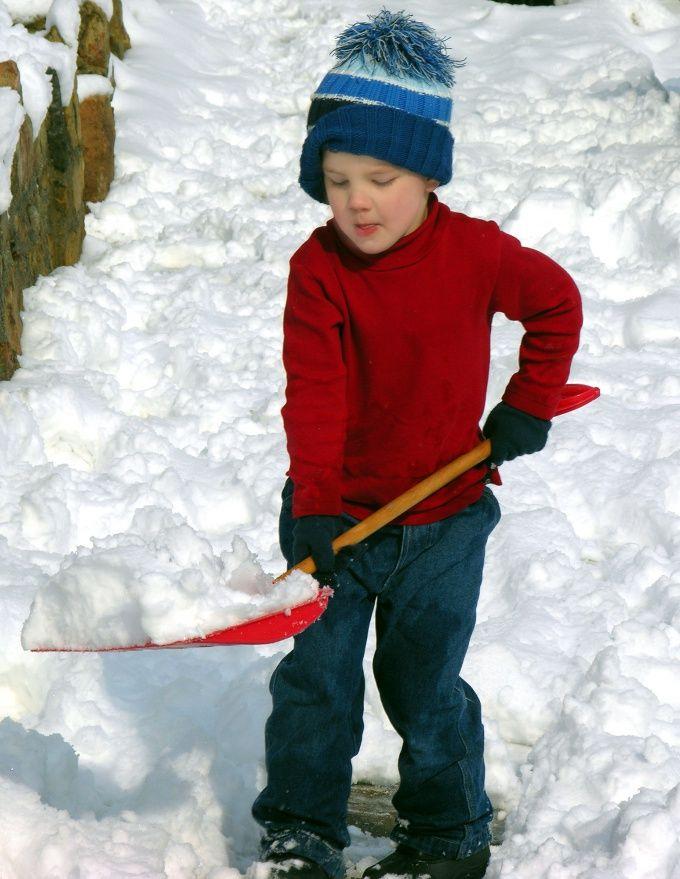 Как построить снежную горку