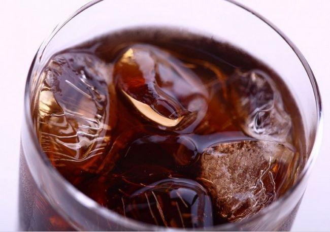 Как приготовить алкогольный коктейль «черный русский»