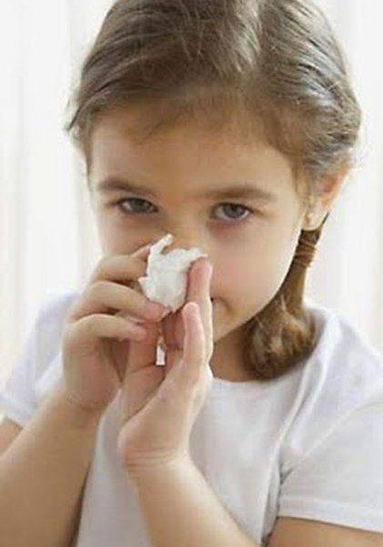 Как прочистить ребенку нос