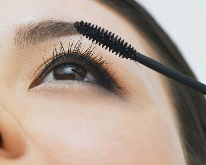 Как сделать черные глаза