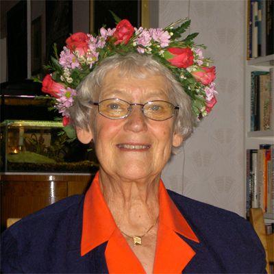 Как сделать подарок бабушке своими руками