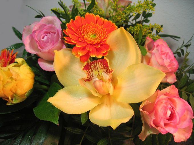 Как составить композицию из цветов