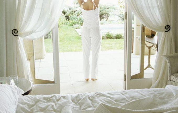 Как вешать шторы