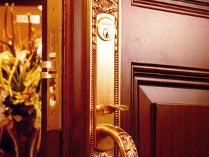 Как заменить дверные замки