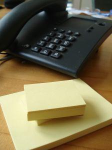 Для записи разговоров через домашний телефон сущетсвует несколько возможностей