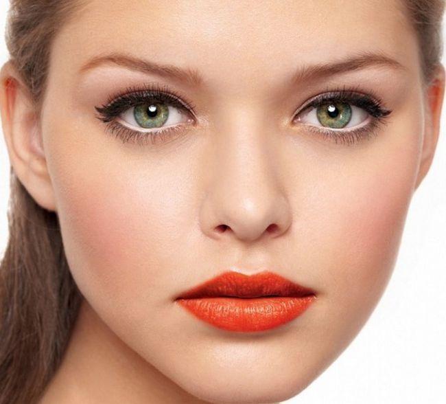 Какой макияж подойдет для больших зеленых глаз