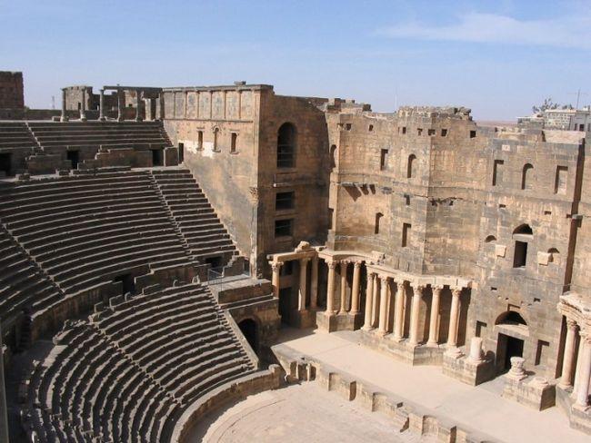 Какова история возникновения театра?