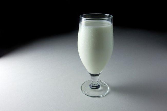 Почему молоко сворачивается