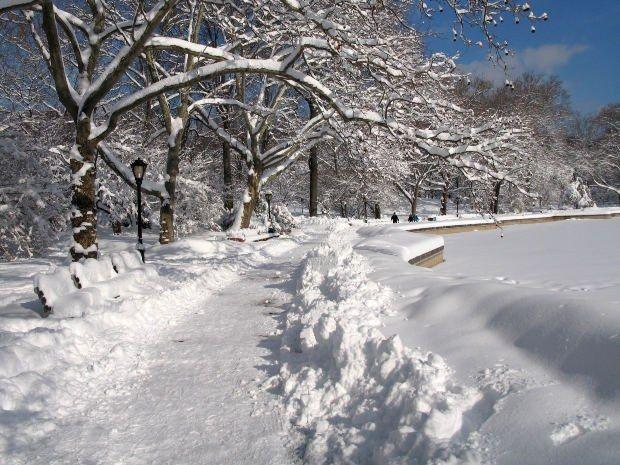 Почему снег хрустит