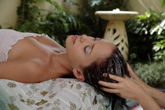 Как использовать сыворотку при уходе за волосами