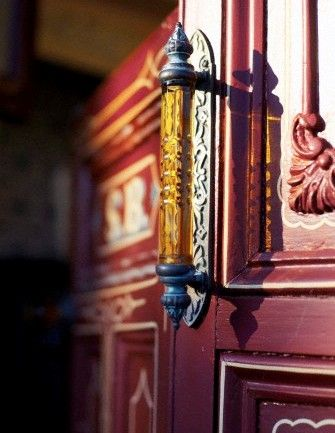 Как монтировать двери