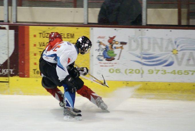 Как научиться ездить на коньках задом