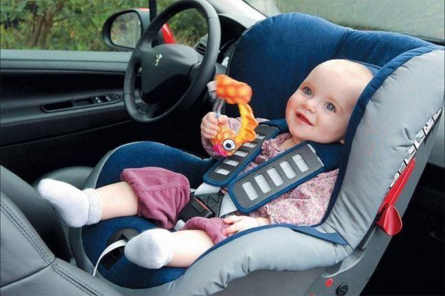 Как перевозить детей до года в автомобиле